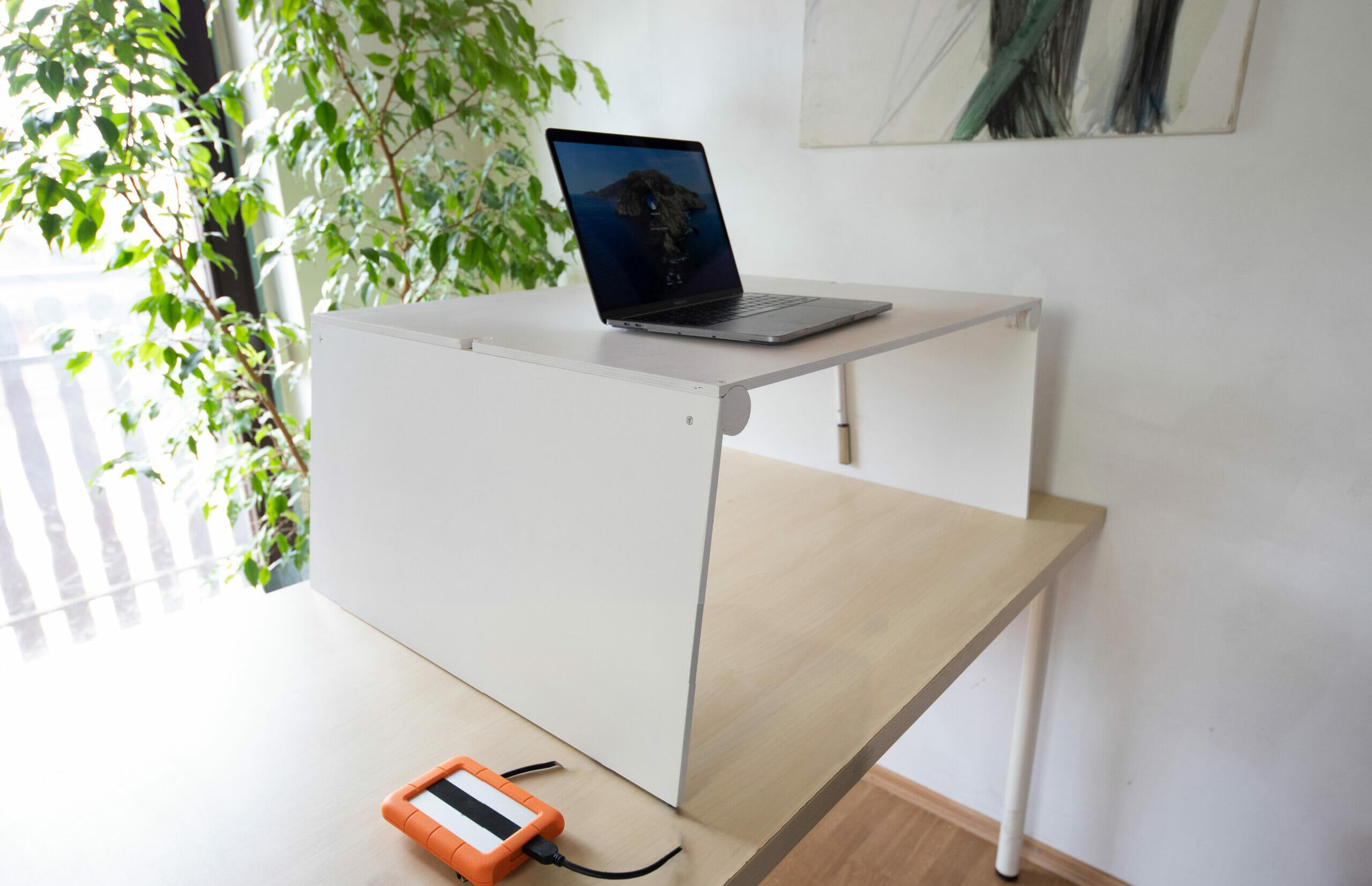 FEhér Mozgó emelhető asztal