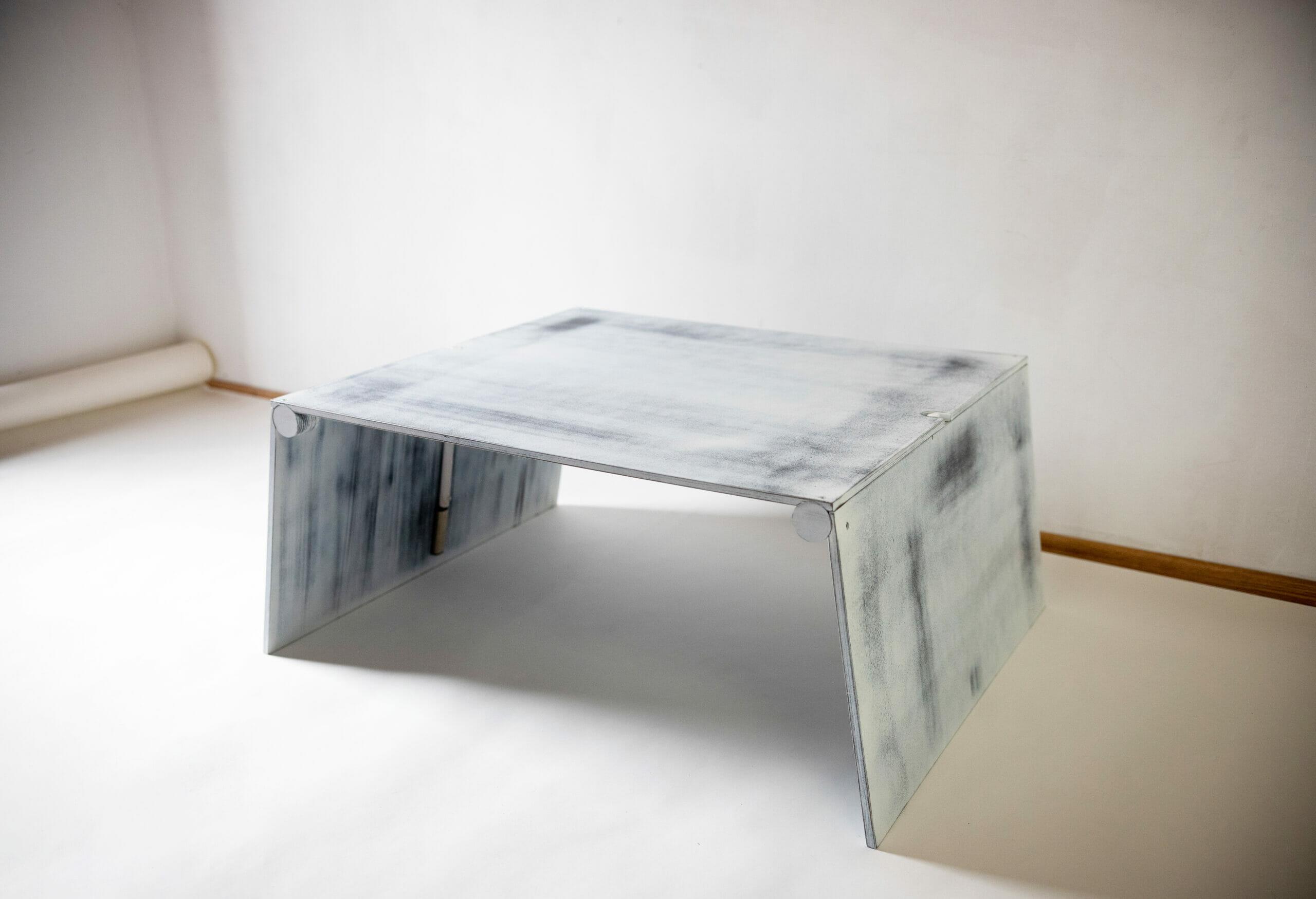Antik-fehér fa LifTable asztal